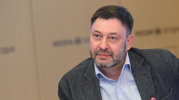 Исполнительный директор МИА Россия сегодня Кирилл Вышинский во время онлайн пресс-конференции Обыкновенный фашизм: украинские военные преступления и нарушения прав человека