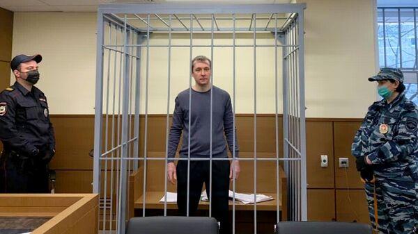 Экс-сотрудник антикоррупционного главка МВД РФ (ГУЭБиПК), полковник Дмитрий Захарченко, обвиняемый по делу о взятках и воспрепятствовании правосудию, на заседании Пресненского суда