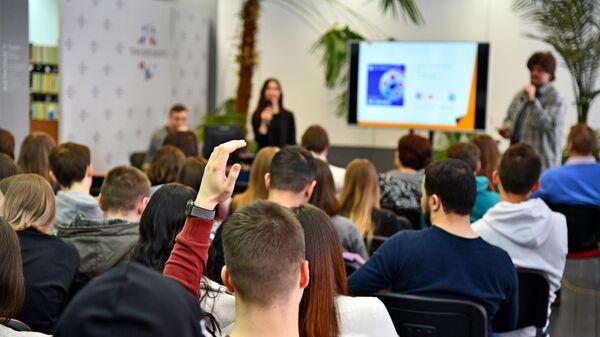 Мастер-класс, посвященный современным медиатехнологиям, организованный медиагруппой Россия сегодня и ЯГТУ при поддержке Правительства Ярославской области