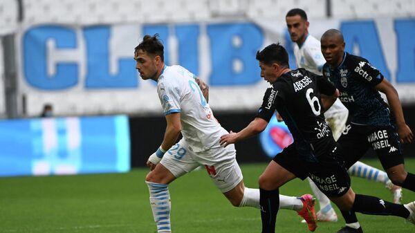 Игровой момент матча Марсель - Лорьян.