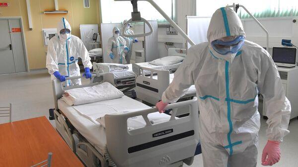Врачи рассказали, как москвичам не заразиться коронавирусом в праздники