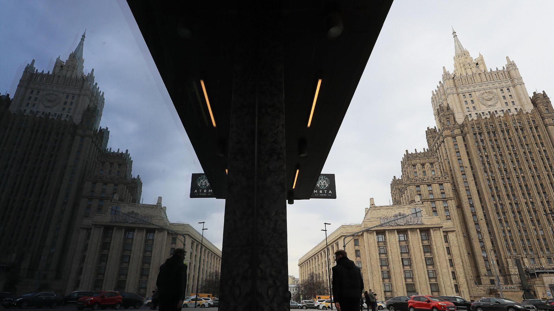 МИД заявил о готовности пройти часть своего пути в вопросе отмены санкций