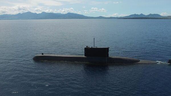 Подлодка Индонезийских ВМС вблизи острова Ява