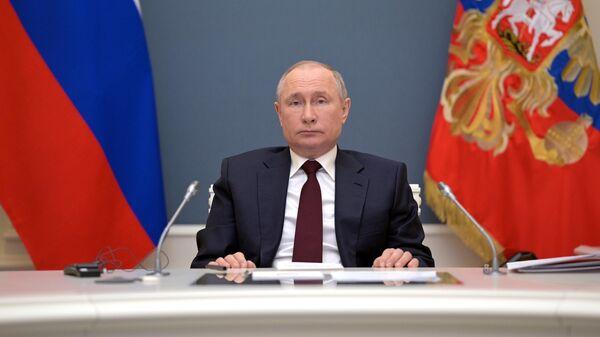Путин поздравил православных христиан с праздником