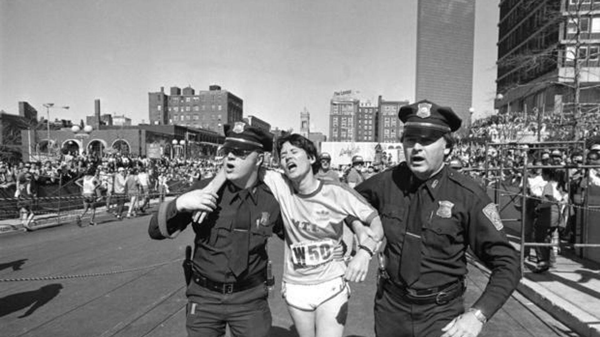 Американская бегунья Рози Руис на Бостонском марафоне - РИА Новости, 1920, 23.04.2021