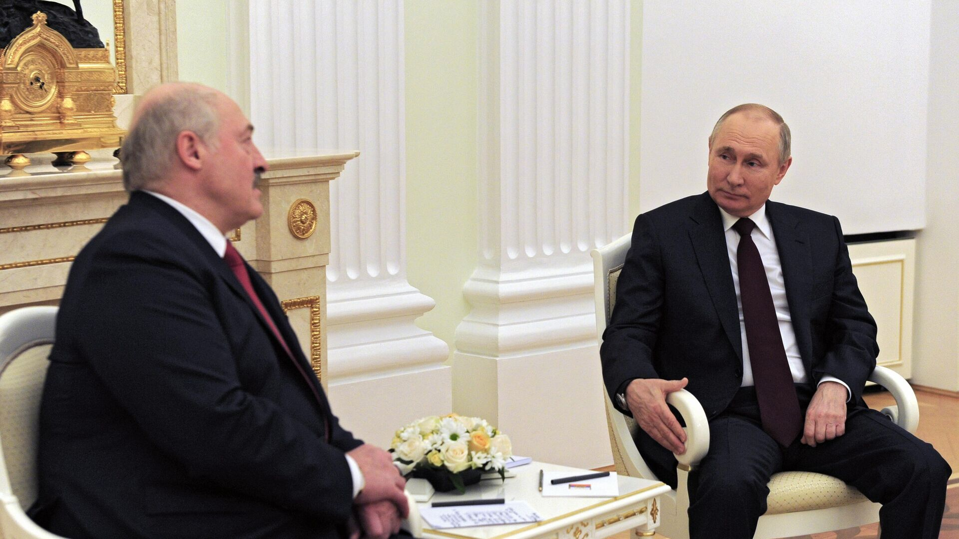 Президент РФ Владимир Путин и президент Белоруссии Александр Лукашенко во время встречи - РИА Новости, 1920, 22.04.2021