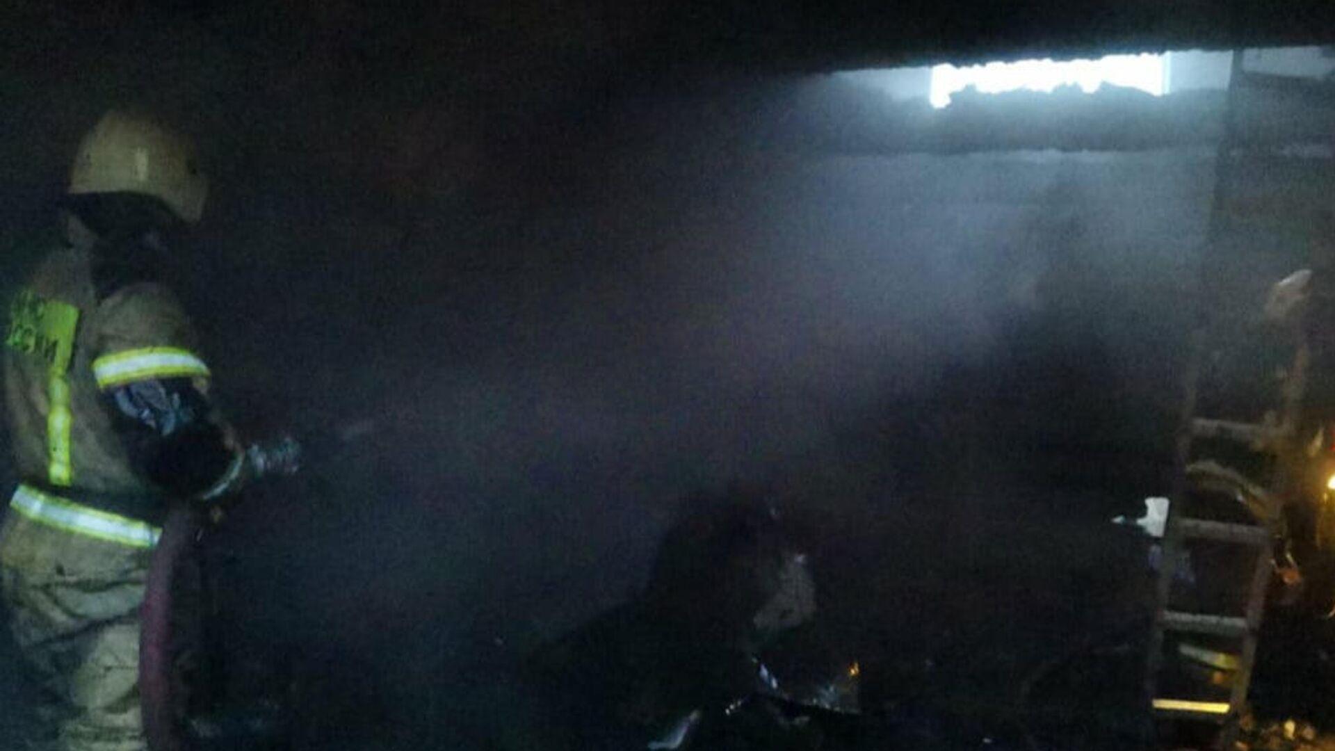 В Сургуте двое детей погибли при пожаре в частном доме