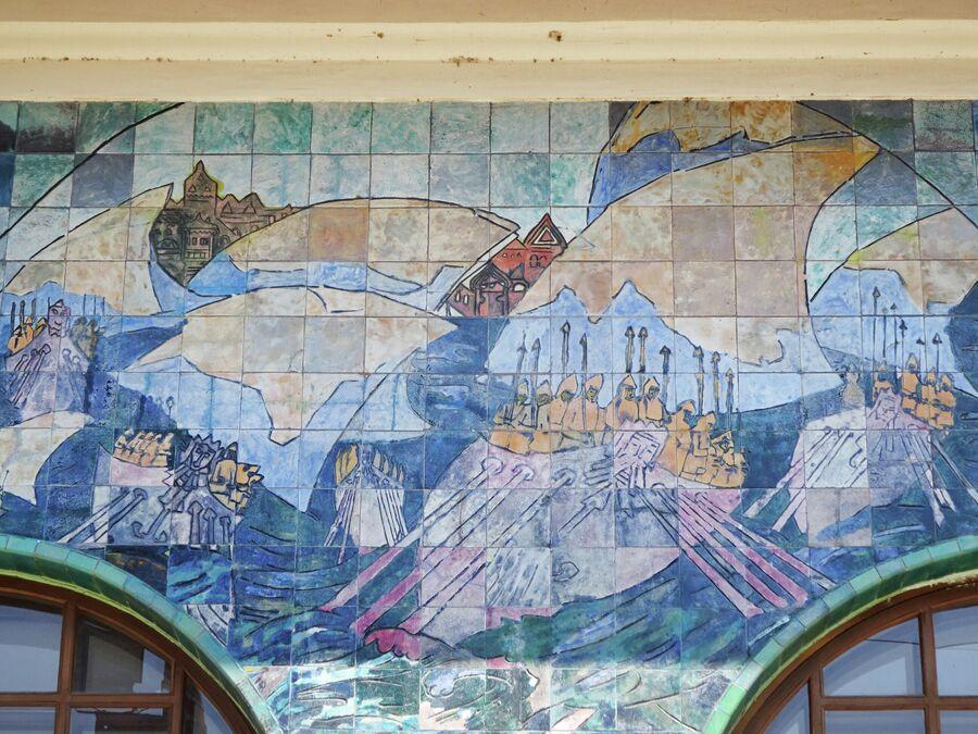 Мозаики на фасаде особняка Шаронова