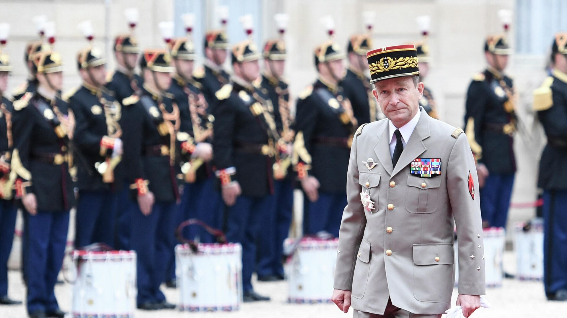 Начальник Генерального штаба Франции Пьер де Вилье в Елисейском дворце. 2017 год - РИА Новости, 1920, 29.04.2021