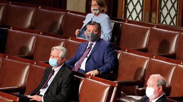 Американский сенатор Тед Круз во время выступления Джо Байдена в Конгрессе США
