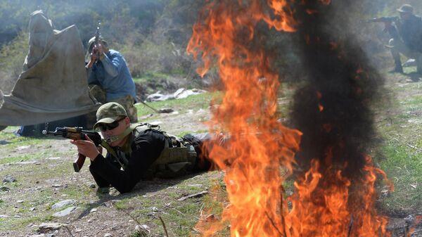 Кыргызские военнослужащие во время учений