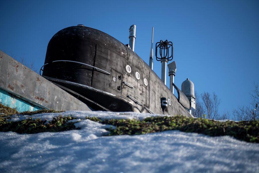 Рубка атомной подводной лодки ''Новгород Великий'' установлена в заводском музее под открытым небом