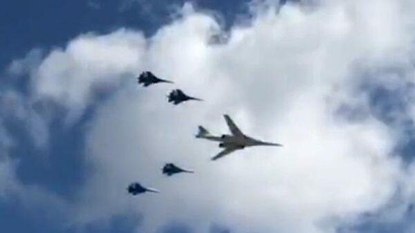 Авиационная тренировка парада Победы в небе над Москвой