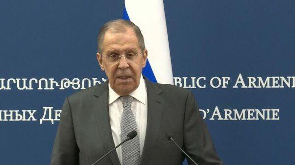 Лавров назвал манией безнаказанности угрозы ЕС о новых санкциях против РФ