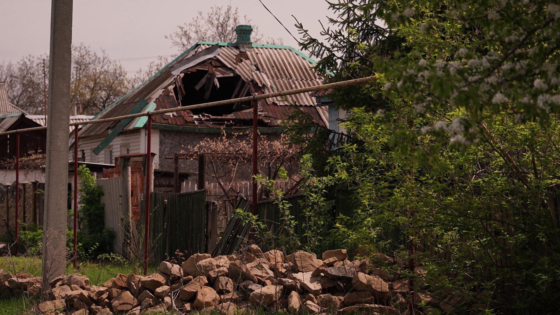 Последствия обстрелов на линии соприкосновения в Луганской области - РИА Новости, 1920, 12.06.2021