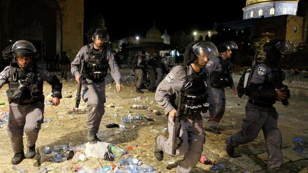 Полиция возле мечети Аль-Акса в Иерусалиме