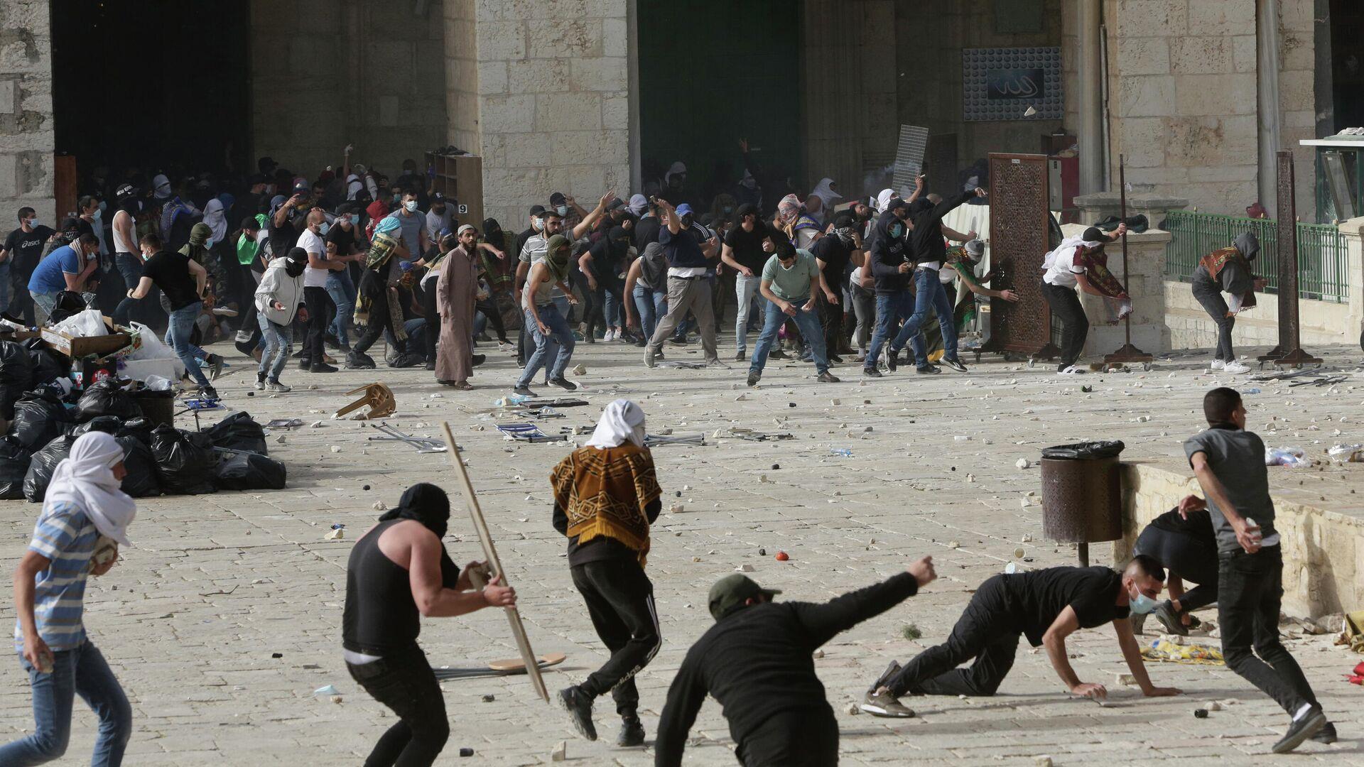 Столкновения возле мечети Аль-Акса в Иерусалиме, Израиль. 10 мая 2021 - РИА Новости, 1920, 11.05.2021