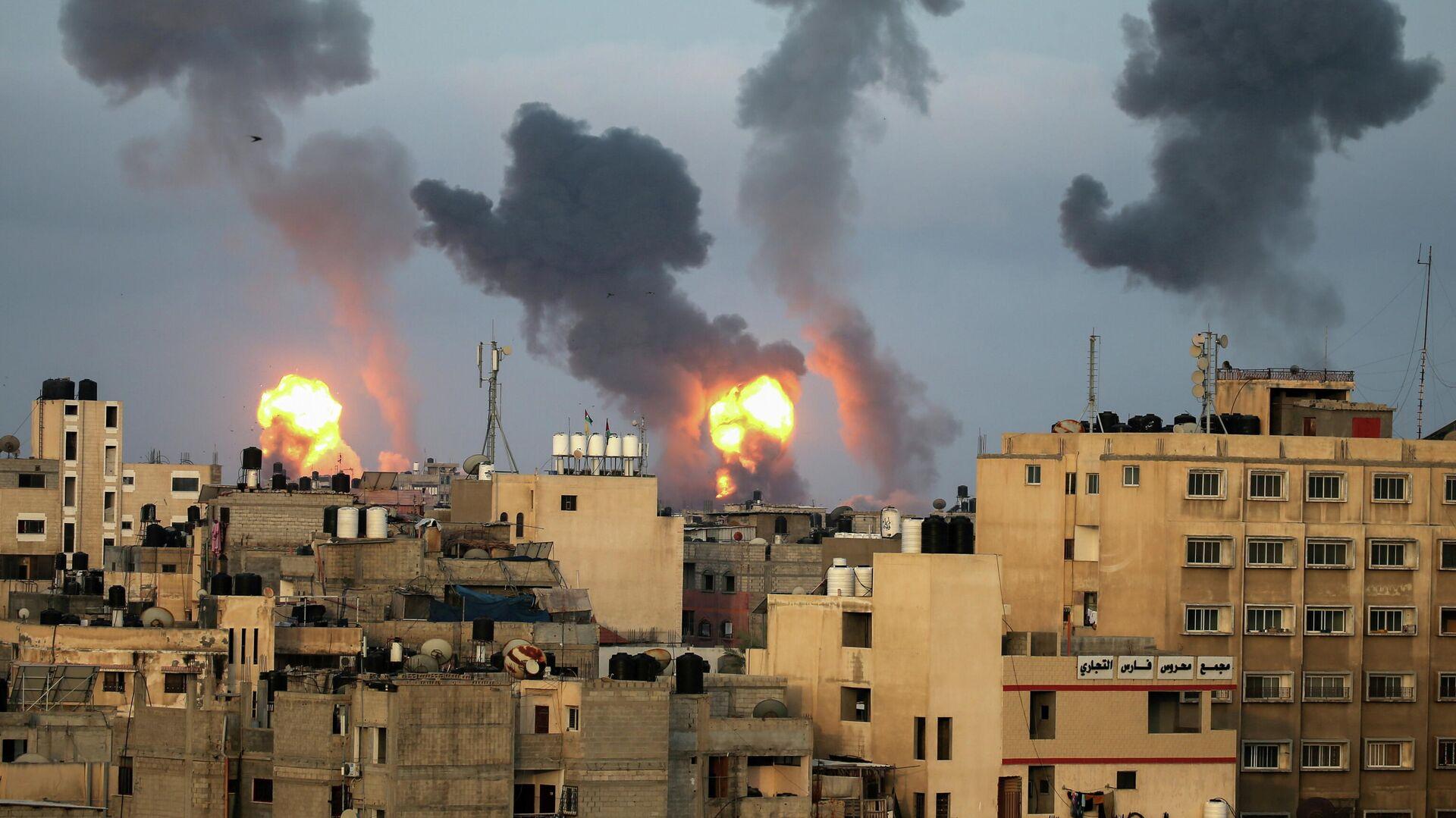 Израильские воздушные удары на юге сектора Газа - РИА Новости, 1920, 12.05.2021