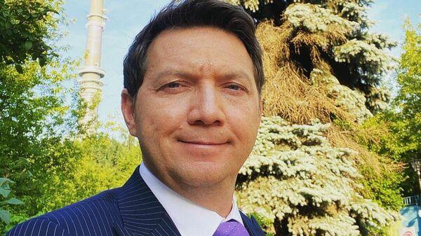 Комментатор Георгий Черданцев.