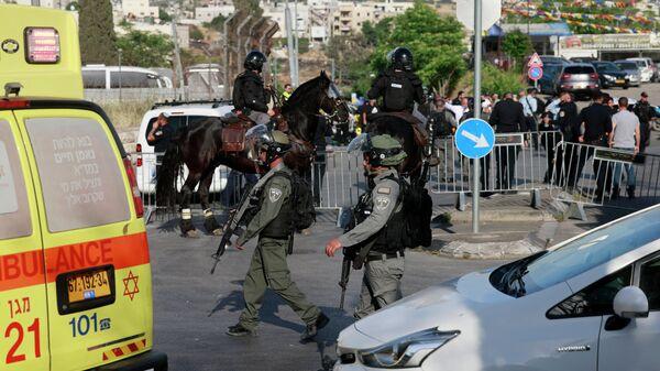 На месте происшествия, в котором водитель пытался наехать на полицейских в Иерусалиме