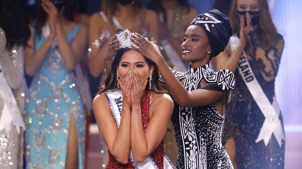 Победительница международного конкурса красоты Мисс Вселенная в 2021 году, представительница Мексики Андреа Меса