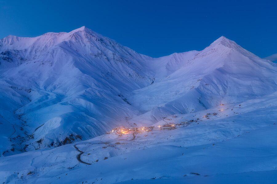 Село Куруш в мае. Расположенное на высоте 2560 метров село считается самым высокогорным в Европе