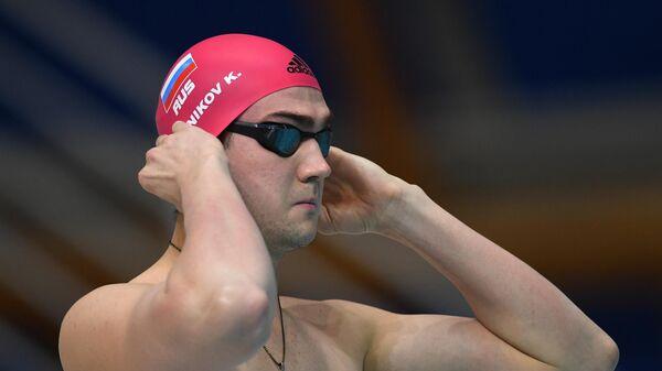 Климент Колесников перед финальным заплывом на дистанции 50 м вольным стилем в финальном заплыве среди мужчин на чемпионате России по плаванию в Казани.