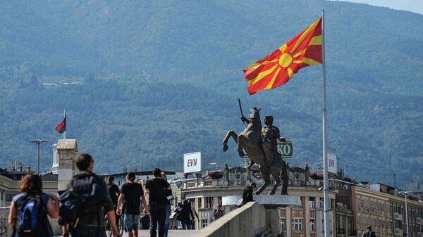 Памятник Воин на коне в столице Северной Македонии городе Скопье