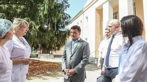 Губернатор Московской области Андрей Воробьев на мероприятии посвященном завершению капремонта взрослой поликлиники в Чехове