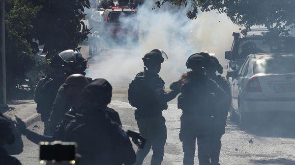 Столкновения между палестинцами и израильскими силами безопасности недалеко от поселения Бейт-Эль в районе Рамаллаха на Западном берегу
