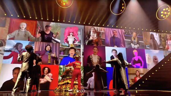 Кадр видео выступления певицы Манижа в полуфинале конкурса Евровидение