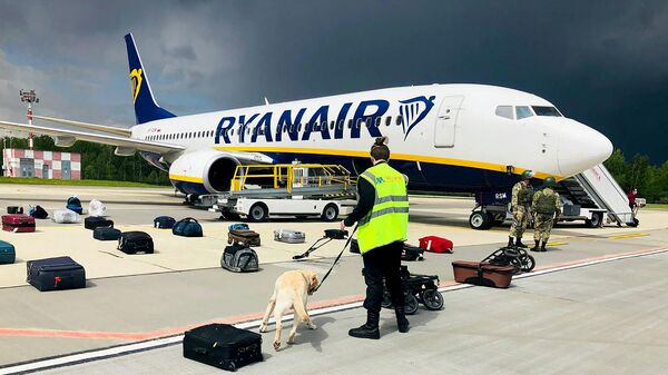 Самолет авиакомпании Ryanair в аэропорту Минска