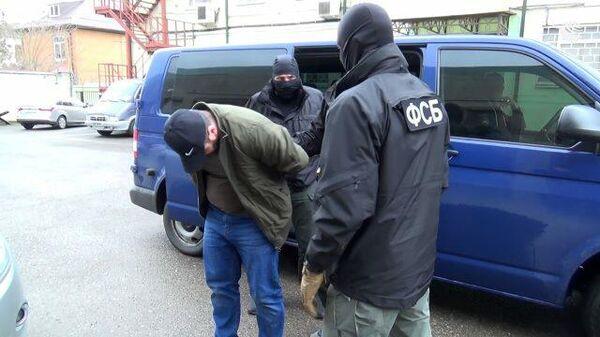 Задержание подозреваемого в подготовке взрыва на параде Победы в Норильске. Съемка ФСБ