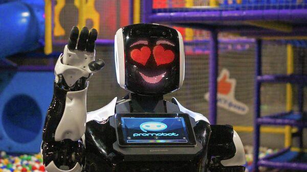 Робот компании Promobot, созданный для работы в детском саду