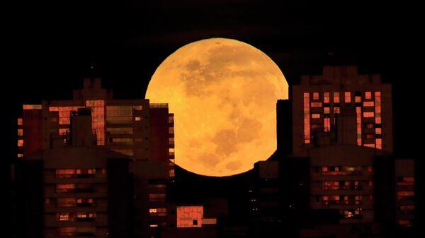 Лунное затмение в Бразилиа, Бразилия