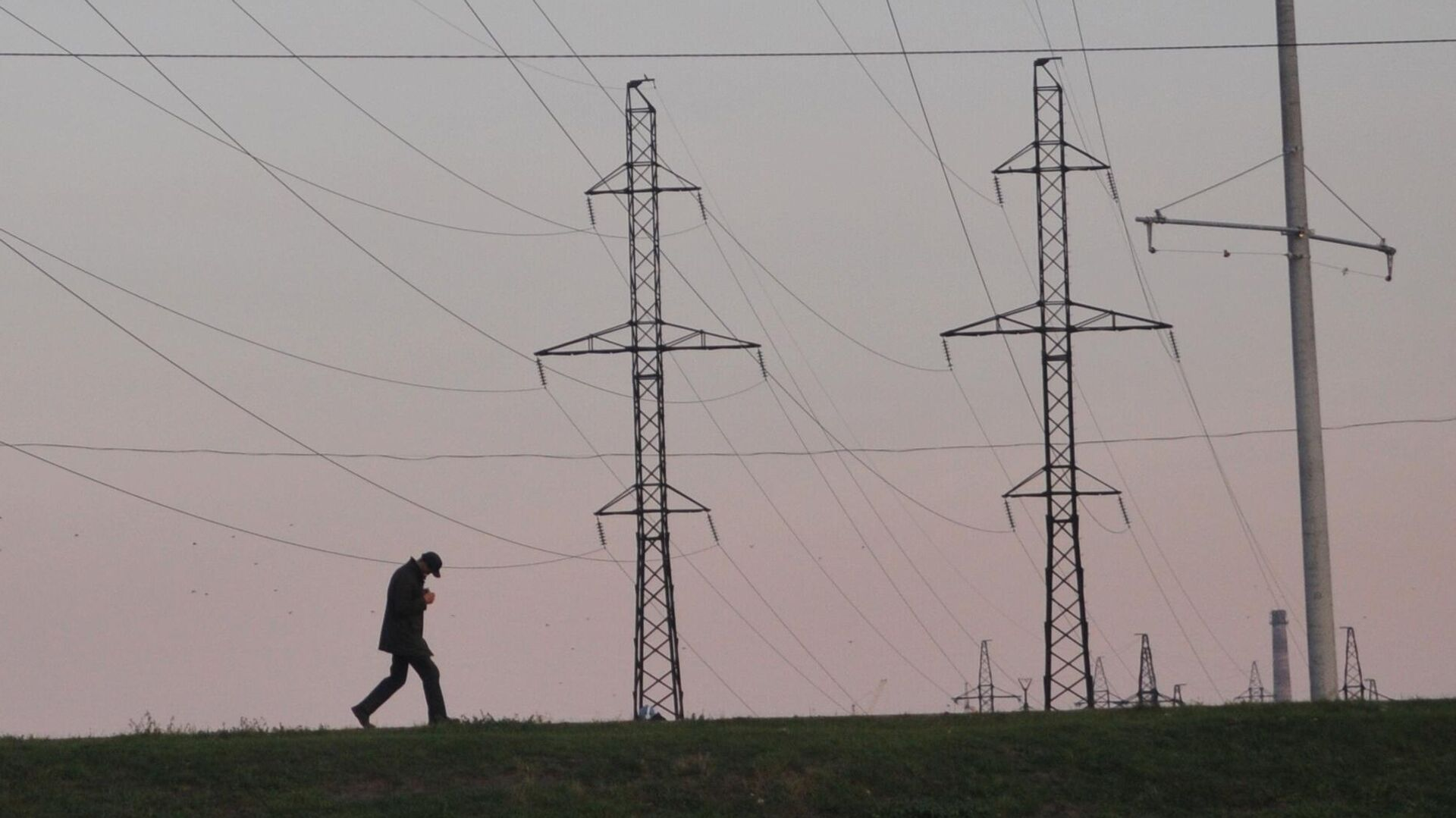 Линии электропередачи во Львовской области - РИА Новости, 1920, 27.05.2021