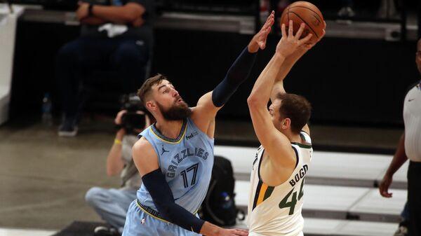Игровой момент матча НБА Юта Джаз - Мемфис Гриззлис
