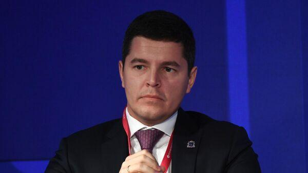 Губернатор Ямало-Ненецкого автономного округа Дмитрий Артюхов на ПМЭФ-2021