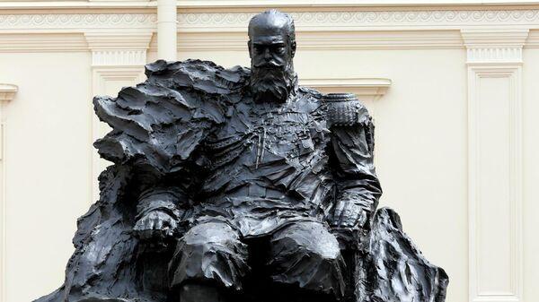 Памятник императору Александру III в Гатчине