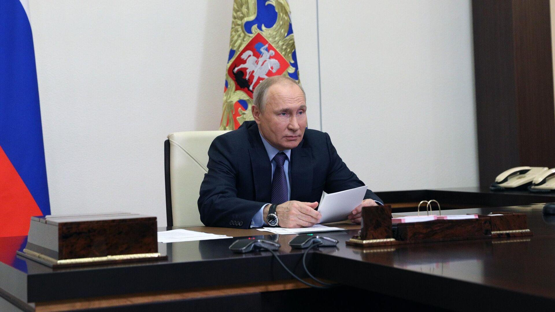 Президент РФ Владимир Путин в режиме видеоконференции принимает участие в запуске Амурского газоперерабатывающего завода компании Газпром - РИА Новости, 1920, 09.06.2021
