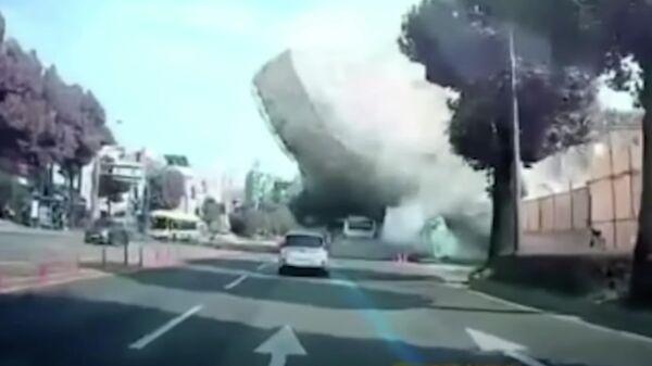 Обрушение здания в Южной Корее. Кадр видео