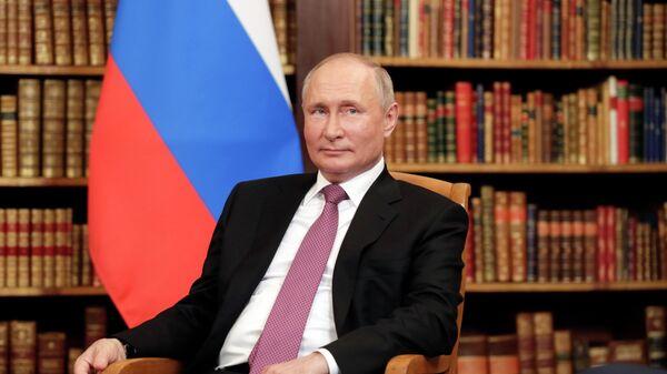 Президент РФ Владимир Путин во время встречи с президентом США Джо Байденом на вилле Ла Гранж
