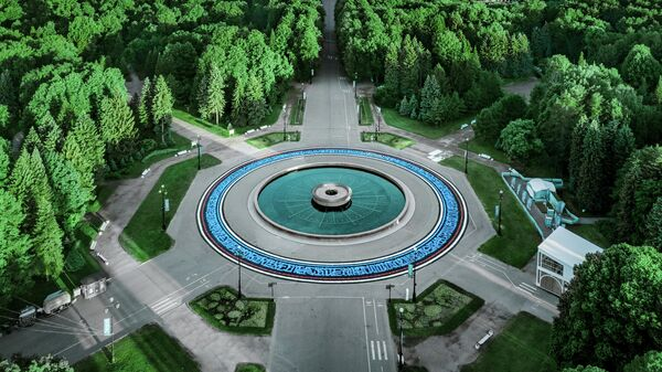 Арт-объект Площадь Единства неподалеку от стадиона ЕВРО-2020 в Петербурге