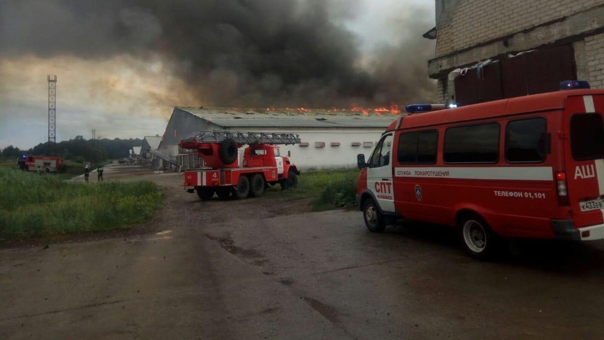 На юго-востоке Москвы локализовали пожар на заводе по переработке лома