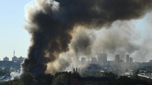 Пожар на Лужнецкой набережной в Москве