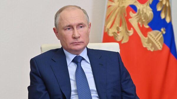 Президент РФ Владимир Путин во время рабочей встречи в режиме видеоконференции с главой Чеченской Республики Рамзаном Кадыровым