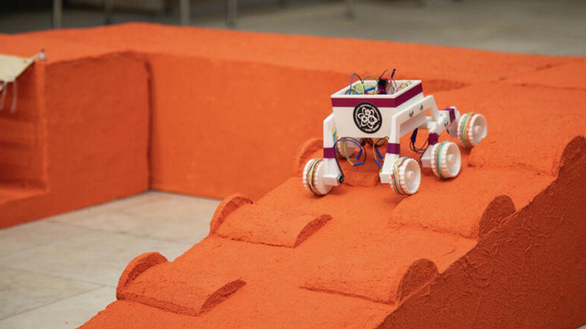 Защита проектной практики в формате соревнования самостоятельно изготовленных моделей марсоходов в МИФИ - РИА Новости, 1920, 25.06.2021