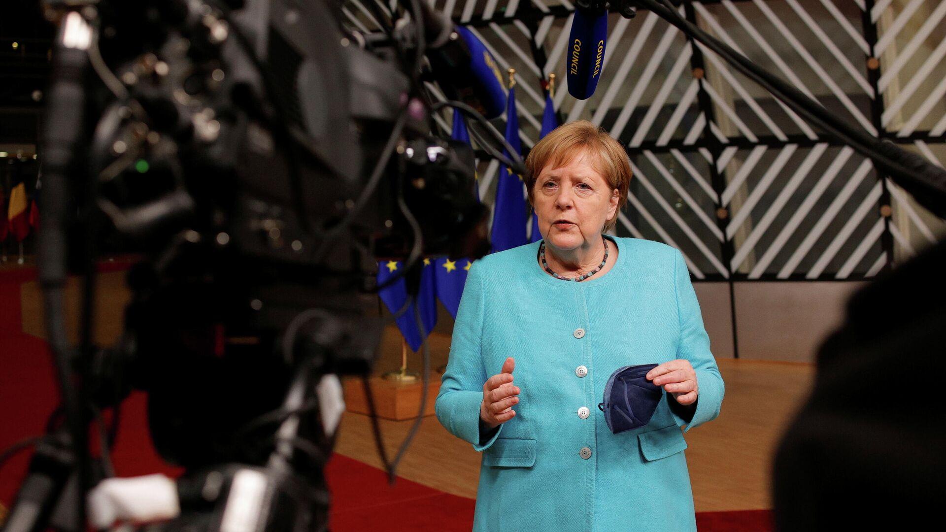 Канцлер Германии Ангела Меркель делает заявление в конце первого дня встречи лидеров Европейского Союза в Брюсселе - РИА Новости, 1920, 25.06.2021