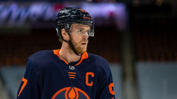 Нападающий клуба НХЛ Эдмонтон Ойлерз Коннор Макдэвид