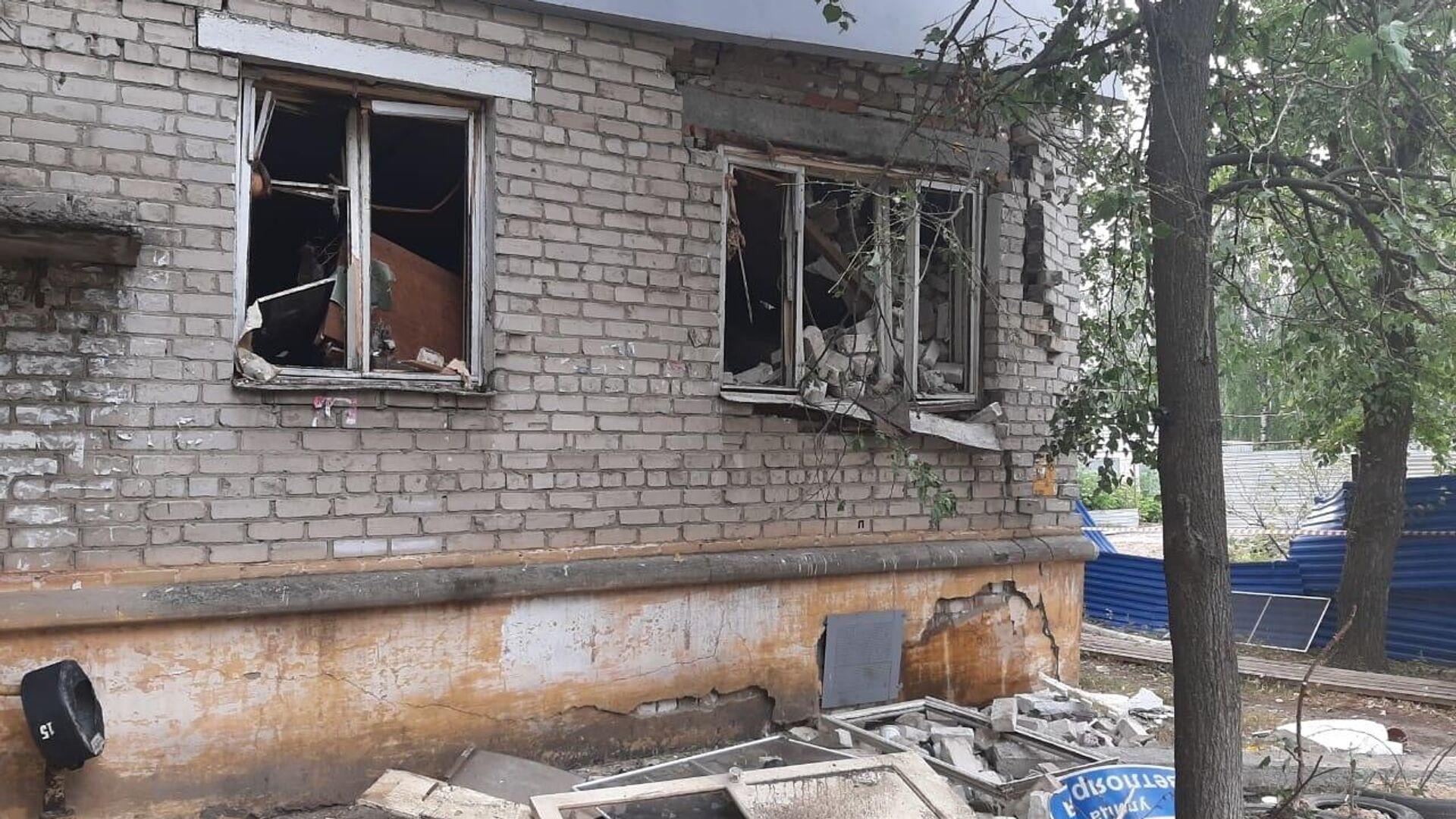 На месте взрыва газовоздушной смеси в жилом доме в Нижнем Новгороде  - РИА Новости, 1920, 02.07.2021